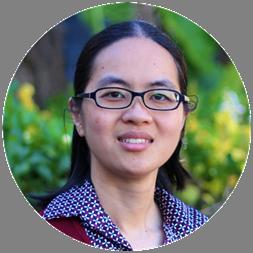 Stacy Trinh headshot Munch Munch Yum vegetarian food blog owner